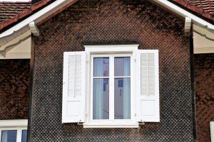 Zbyt szczelne okna. Jak się pozbyć problemów z wentylacją?